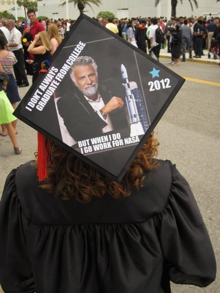 11 Stem Inspired Graduation Caps That Absolutely Nailed It